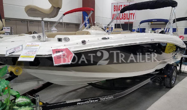 NauticStar Boat2Trailer Black White